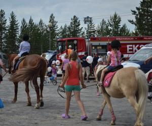 13 Катание на лошадях популярны не только в Лахденпохья