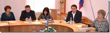 Первые минуты после избрания главой района Тимина справа