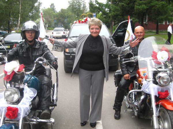 Гонгелева НВ с мотоциклом