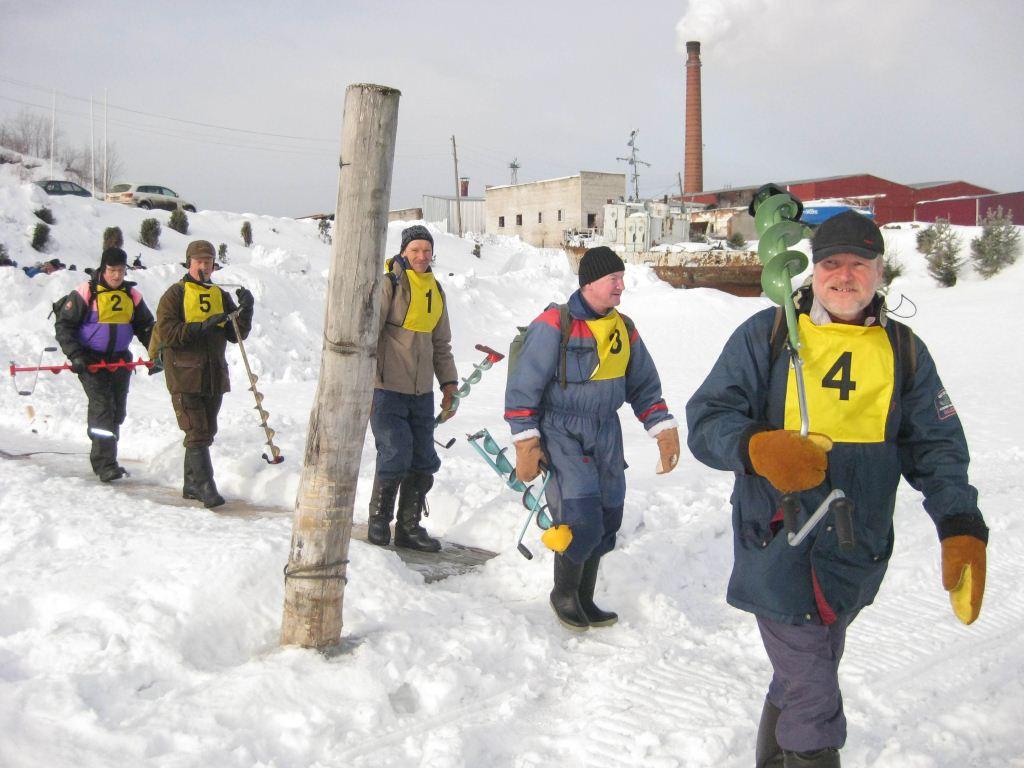 Первыми на лед выходит сборная из Симпеле