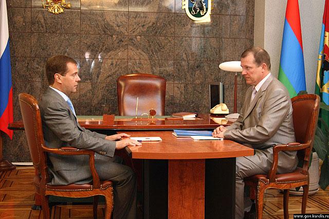 30 июня сего года Президент РФ Дмитрий Анатольевич Медведев принял отставку Главы РК Сергея Леонидовича Катанандова
