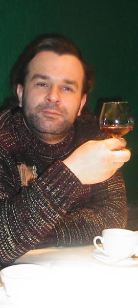 Артем Леонов